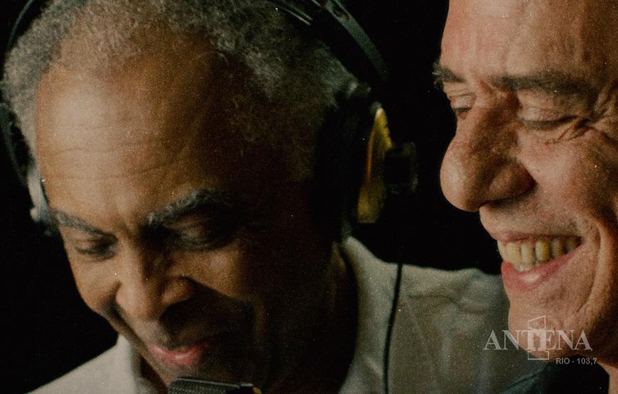 Gilberto Gil e Chico Buarque se unem em música sobre a pandemia.
