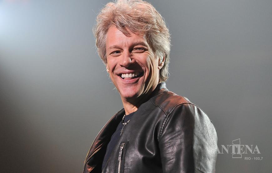 Jon Bon Jovi pede ajuda aos fãs para compor música sobre Coronavírus.