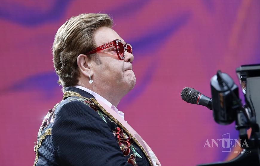 Elton John in Rio