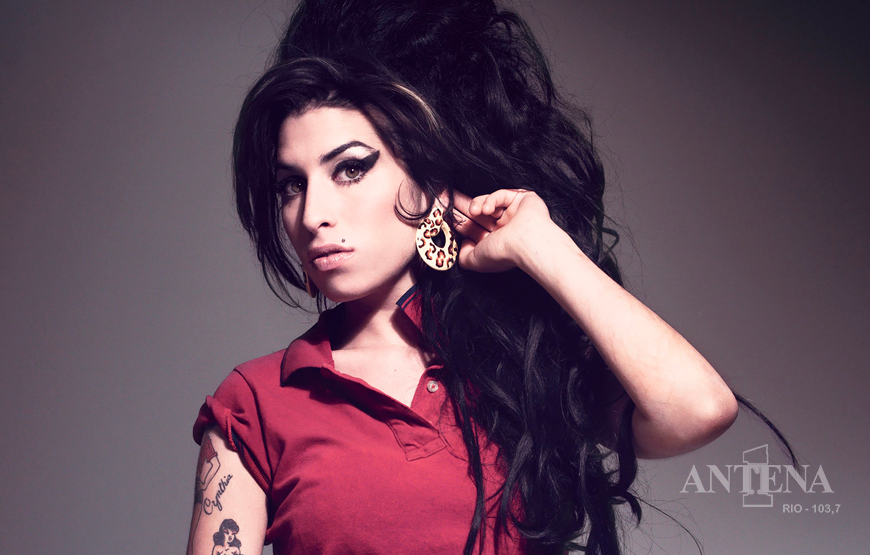 Família de Amy Winehouse fará novo filme sobre a vida da cantora