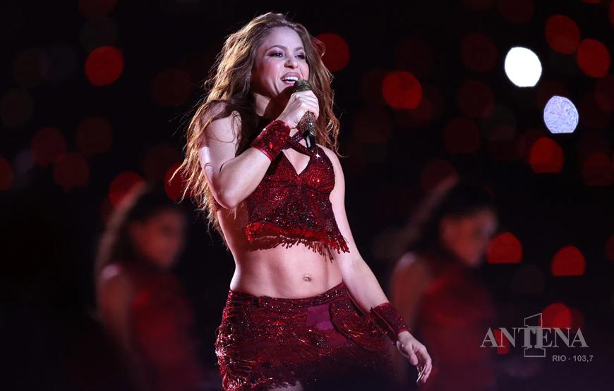 Shakira vende todo seu catálogo musical.