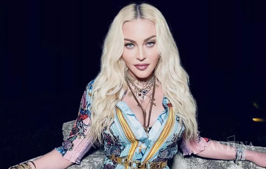 Madonna celebra 63 anos retornando à Warner