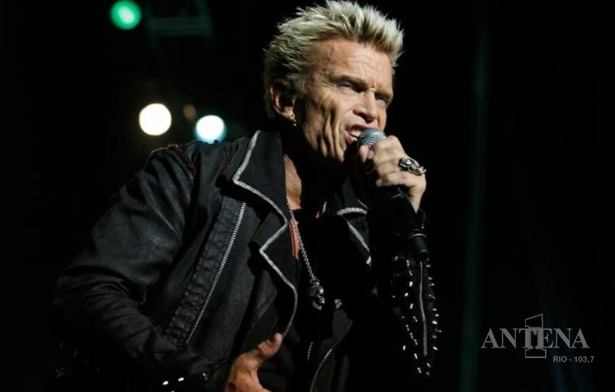 Billy Idol divulga música através de vídeo.