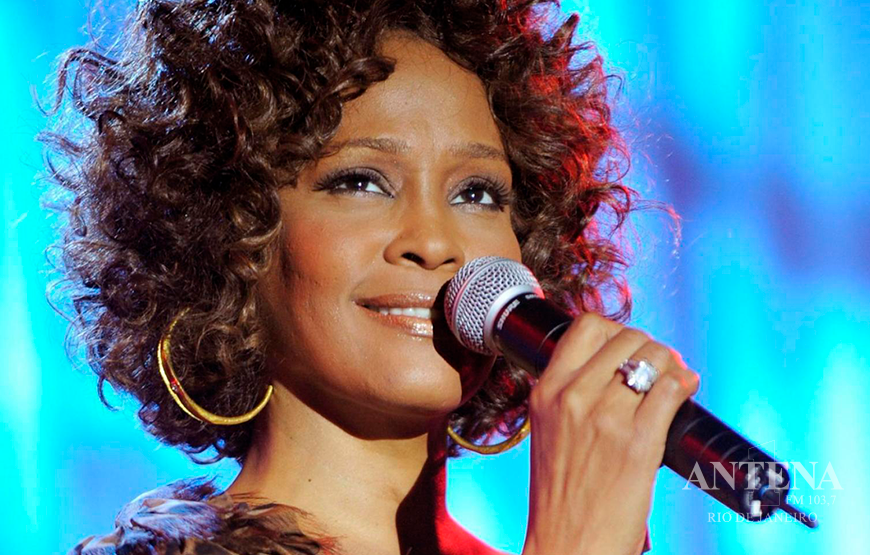 TURNÊ VIRTUAL E ÁLBUM DE WHITNEY HOUSTON AGITAM O MUNDO DA MÚSICA