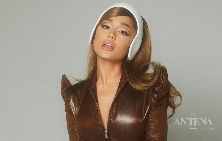 Ariana Grande lança a primeira música de seu novo álbum.